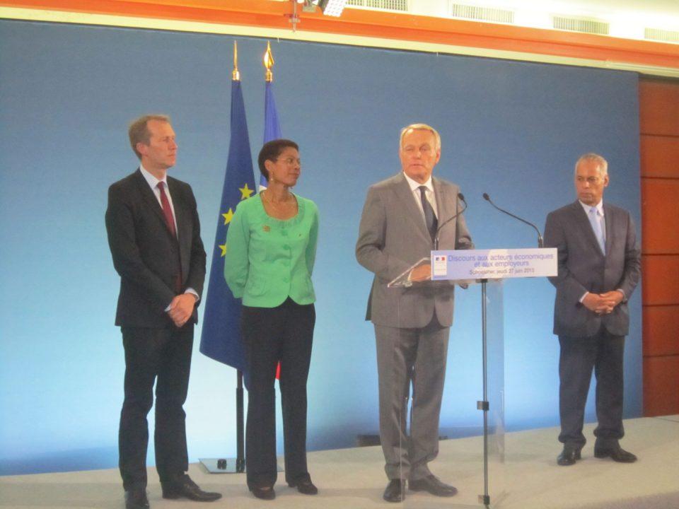 Ayrault maintient mais réforme la défiscalisation