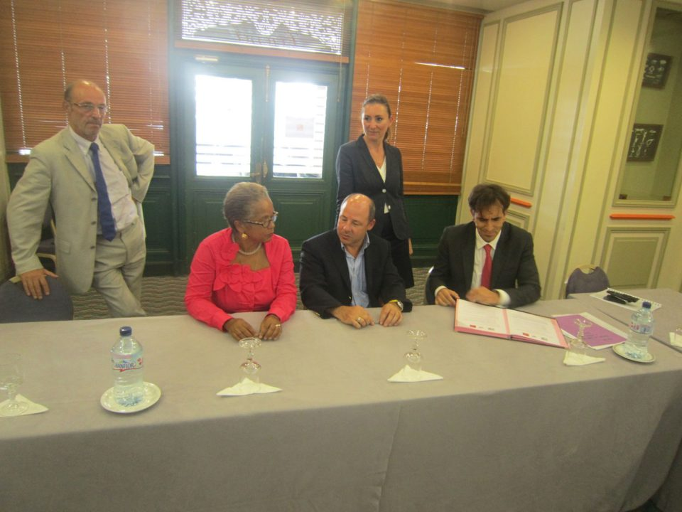 Les CCEF, les Huissiers et la CDC signent un protocole en Martinique