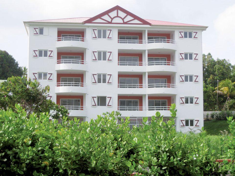 Logements sociaux en Guadeloupe et en Martinique : entreprises entre marteau et enclume