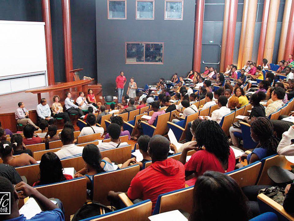 Recrutement aux Antilles-Guyane : quels secteurs recrutent ?