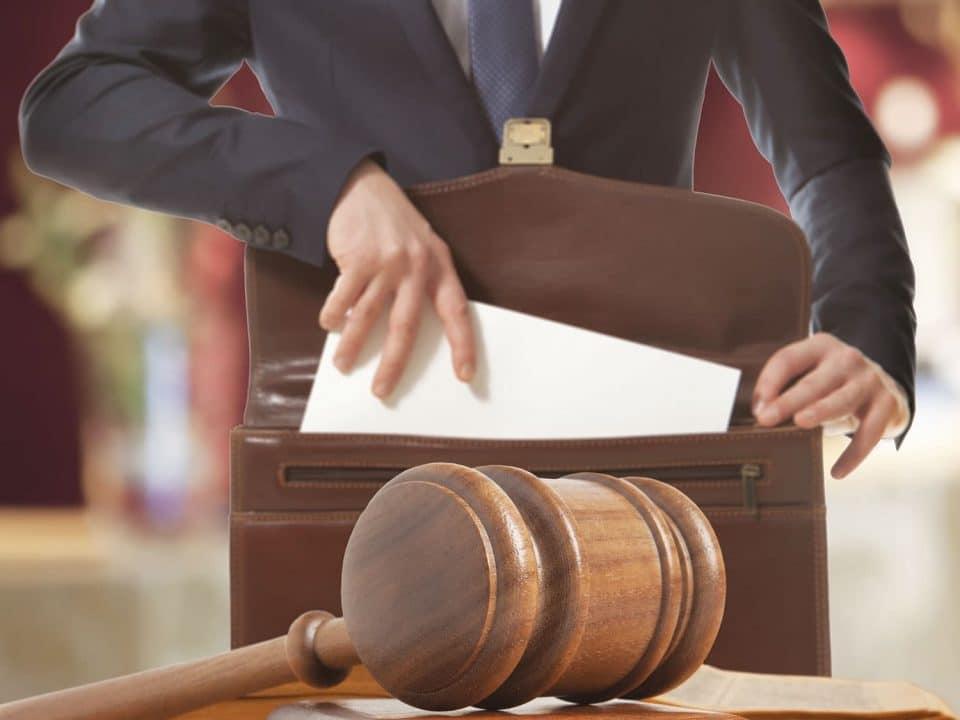 Médiateur des entreprises : une aide pour résoudre les litiges à l'amiable afin d'éviter les procès longs et coûteux.