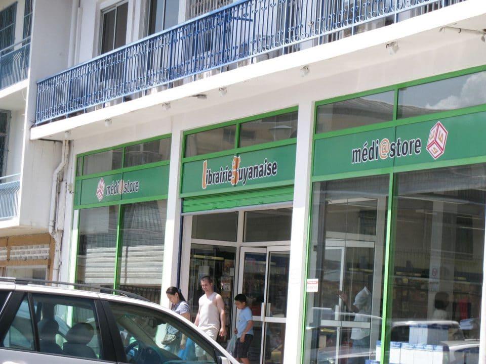 Librairie Antillaise : coller aux marchés pour résister