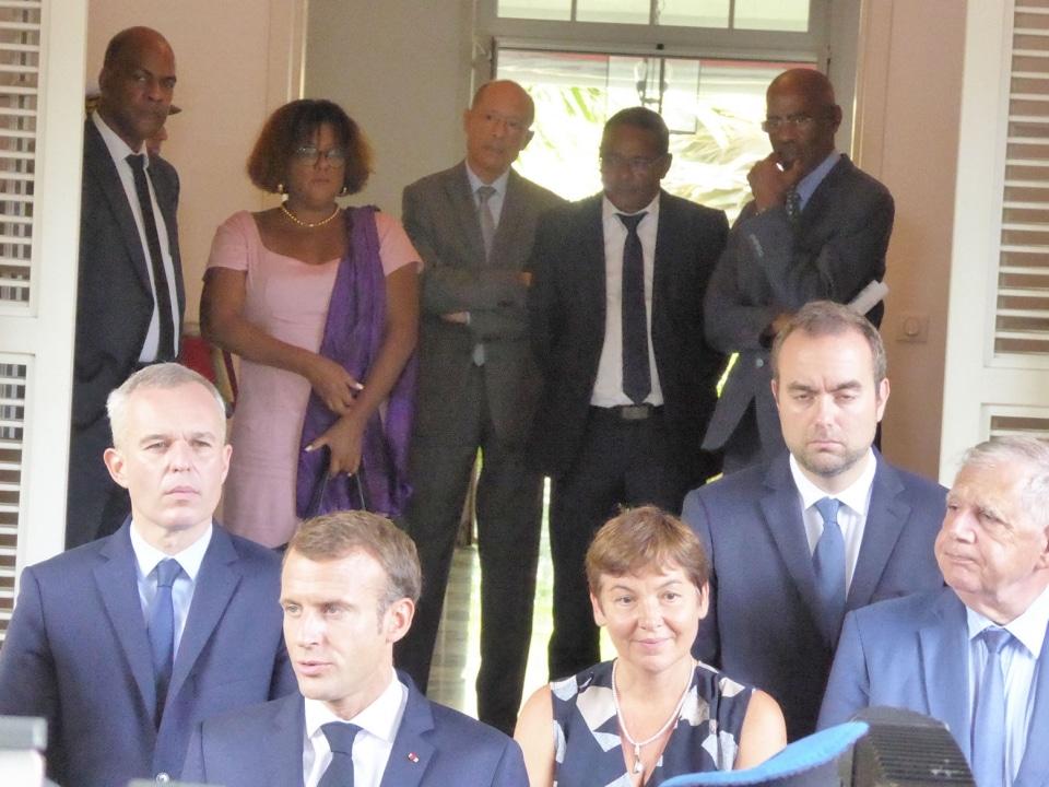 "Emmanuel Macron en Martinique : ""Sortir du mensonge collectif !"""