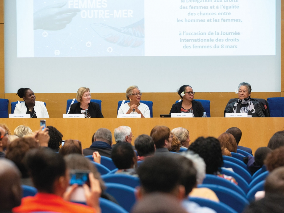 Sénat : les femmes, leviers du développement outre-mer !