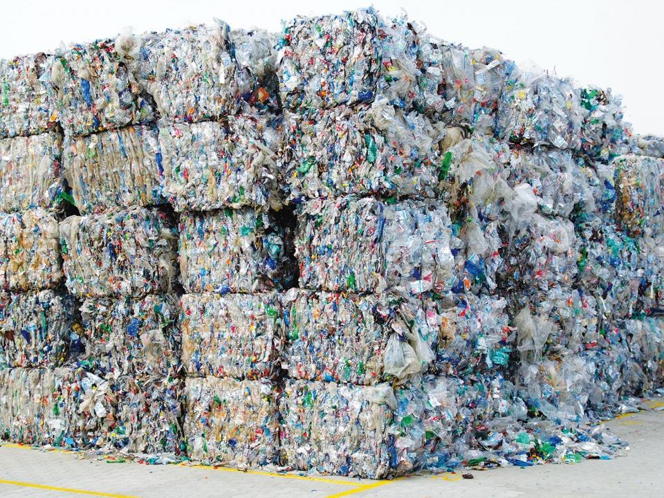 Plastique : ce qui est réellement interdit