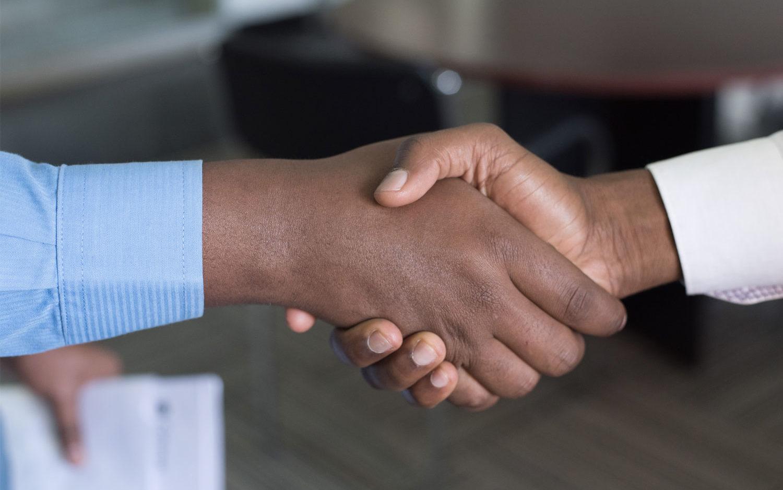 Accompagnement et insertion professionnelle des jeunes : les acteurs économiques ouvrent leurs portes